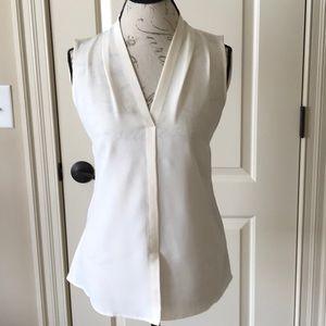 NIC + ZOE sleeveless off white blouse